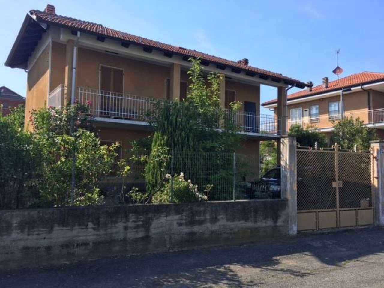 Soluzione Indipendente in vendita a Ciriè, 4 locali, prezzo € 180.000 | CambioCasa.it