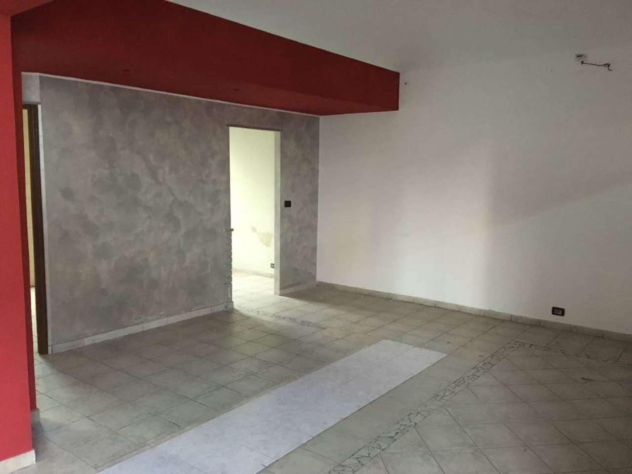 Negozio / Locale in affitto a Ciriè, 1 locali, prezzo € 800 | CambioCasa.it