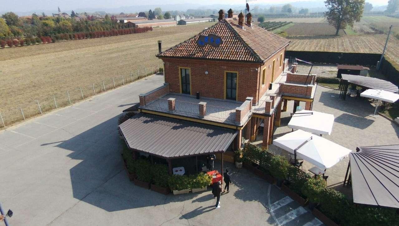 Ristorante / Pizzeria / Trattoria in vendita a Magliano Alfieri, 5 locali, prezzo € 280.000 | CambioCasa.it