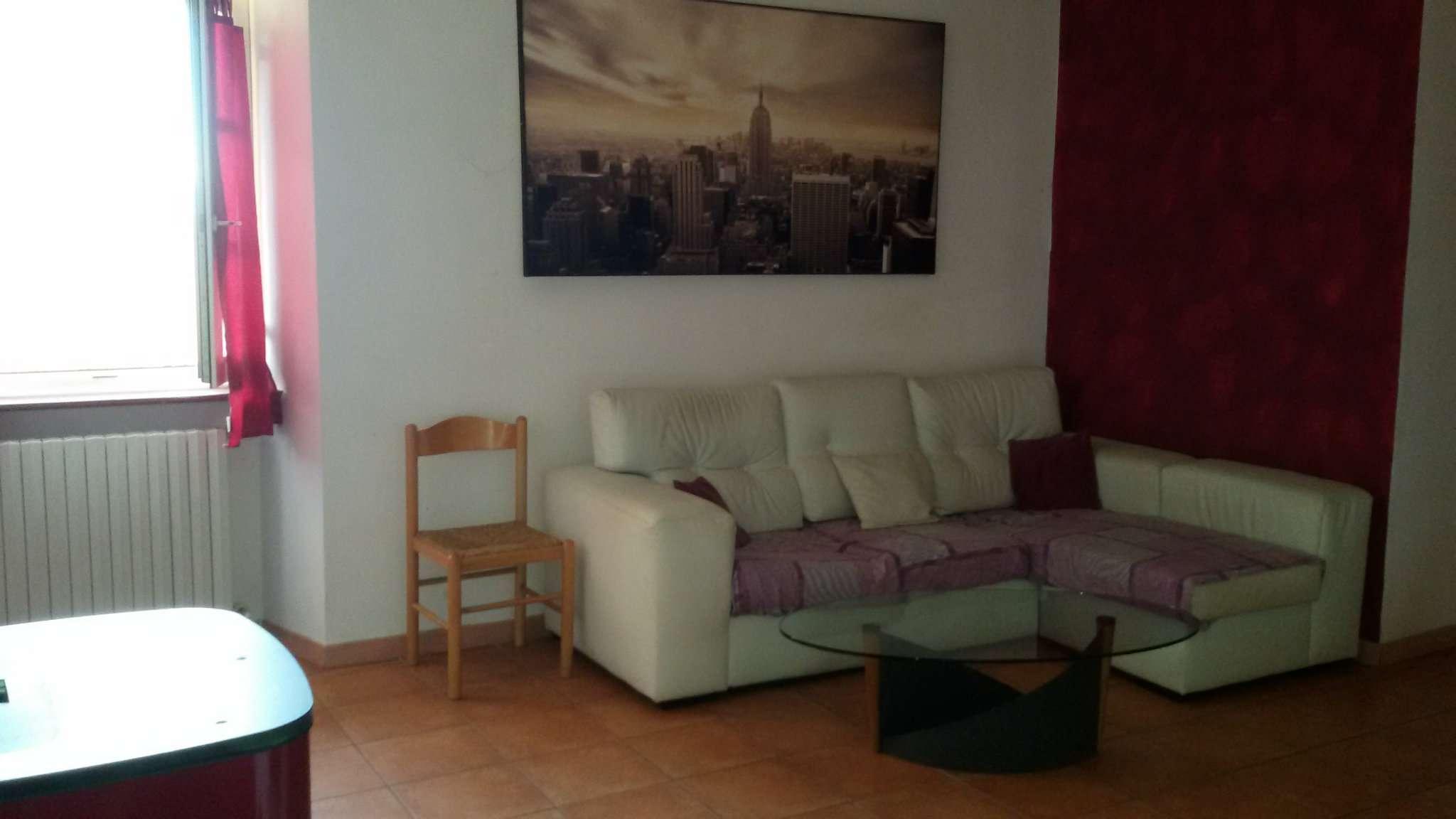 Appartamento in affitto a Chivasso, 3 locali, prezzo € 430 | CambioCasa.it