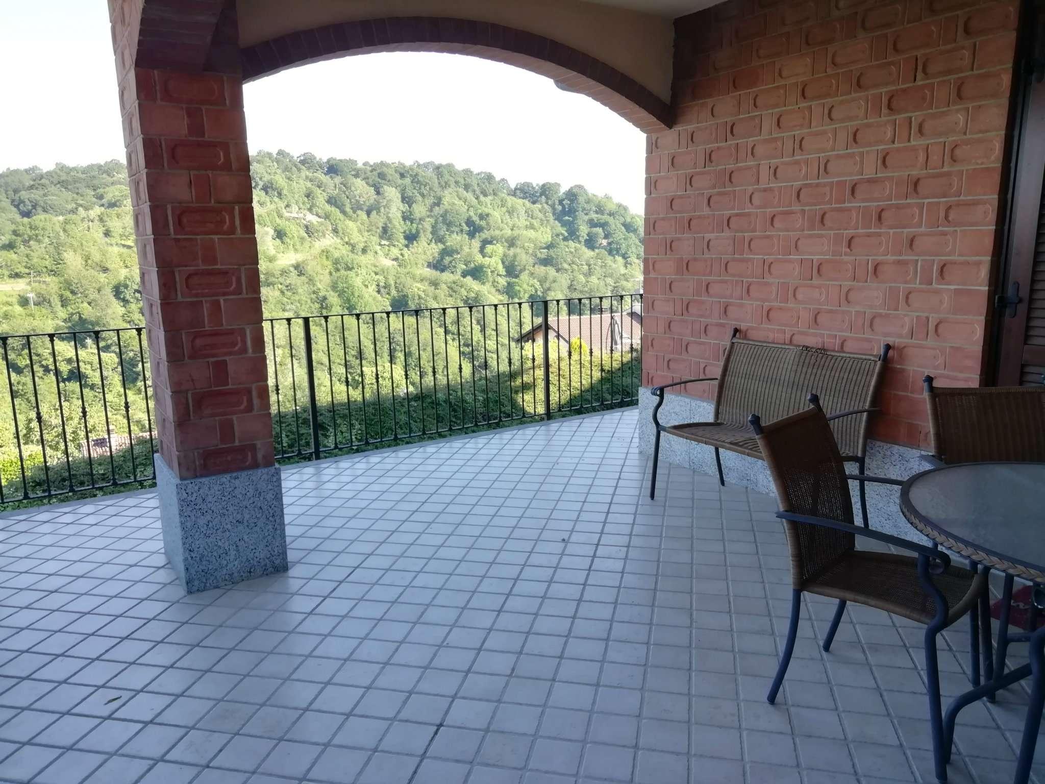 Foto 1 di Appartamento via ossole 40, Castagneto Po
