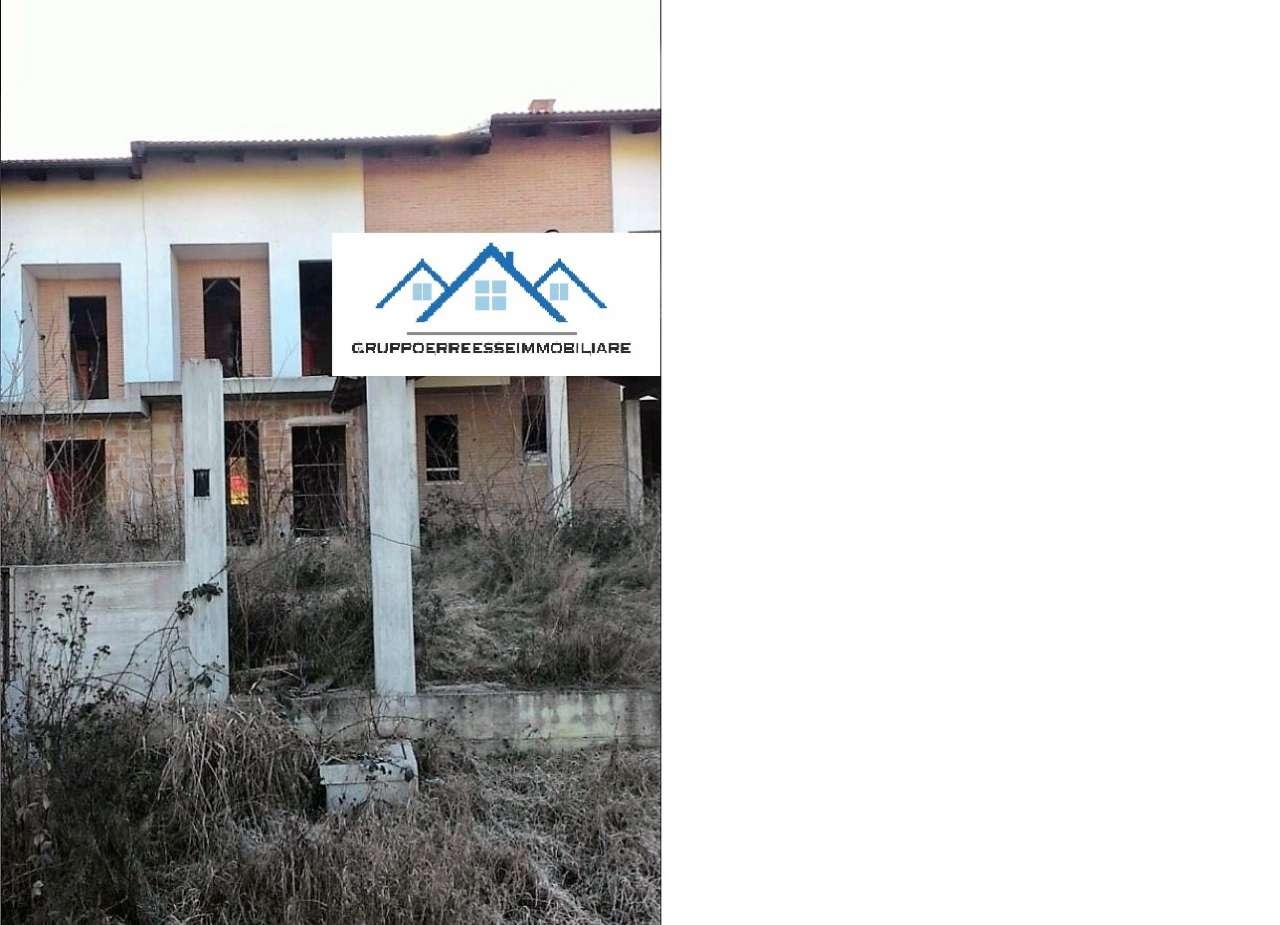 Soluzione Indipendente in vendita a Pocapaglia, 7 locali, prezzo € 50.250 | CambioCasa.it