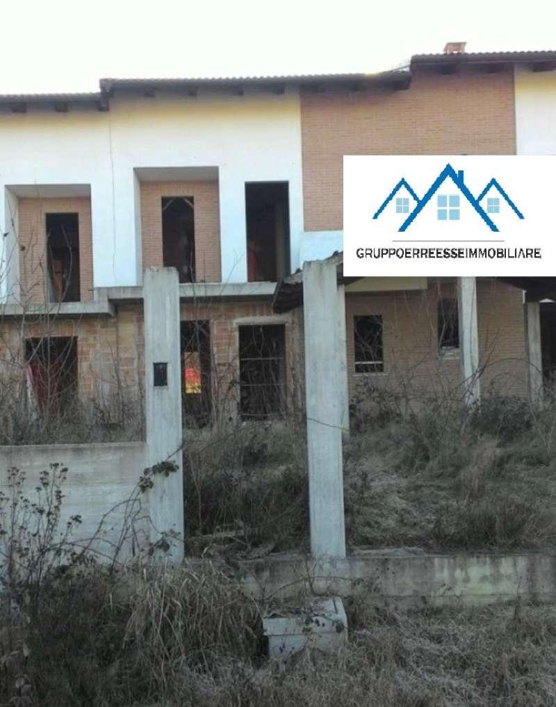 Soluzione Indipendente in vendita a Pocapaglia, 6 locali, prezzo € 30.000 | CambioCasa.it