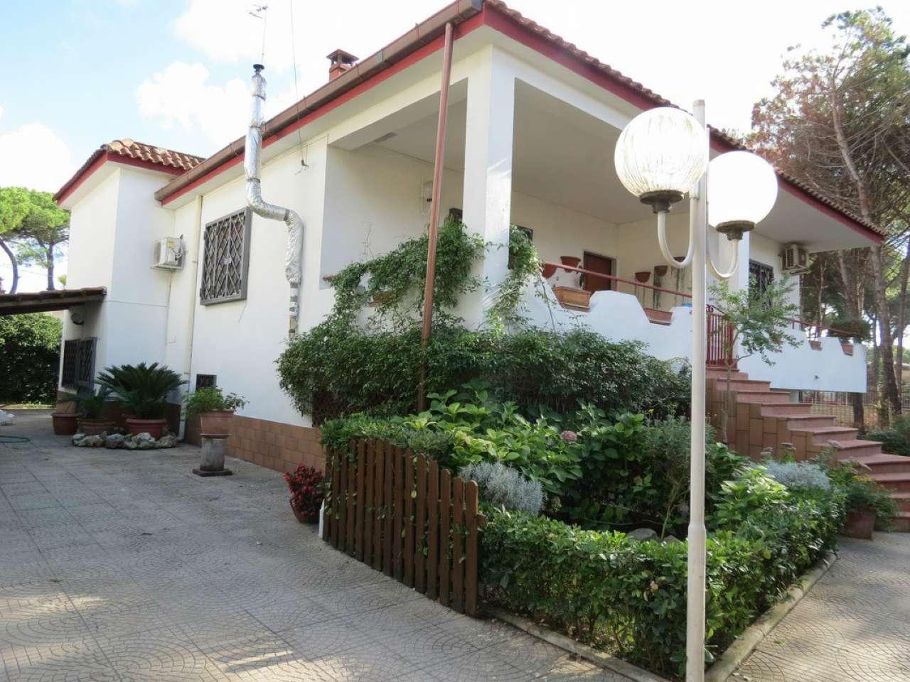 Villa in vendita a Castel Volturno, 6 locali, prezzo € 85.000 | CambioCasa.it