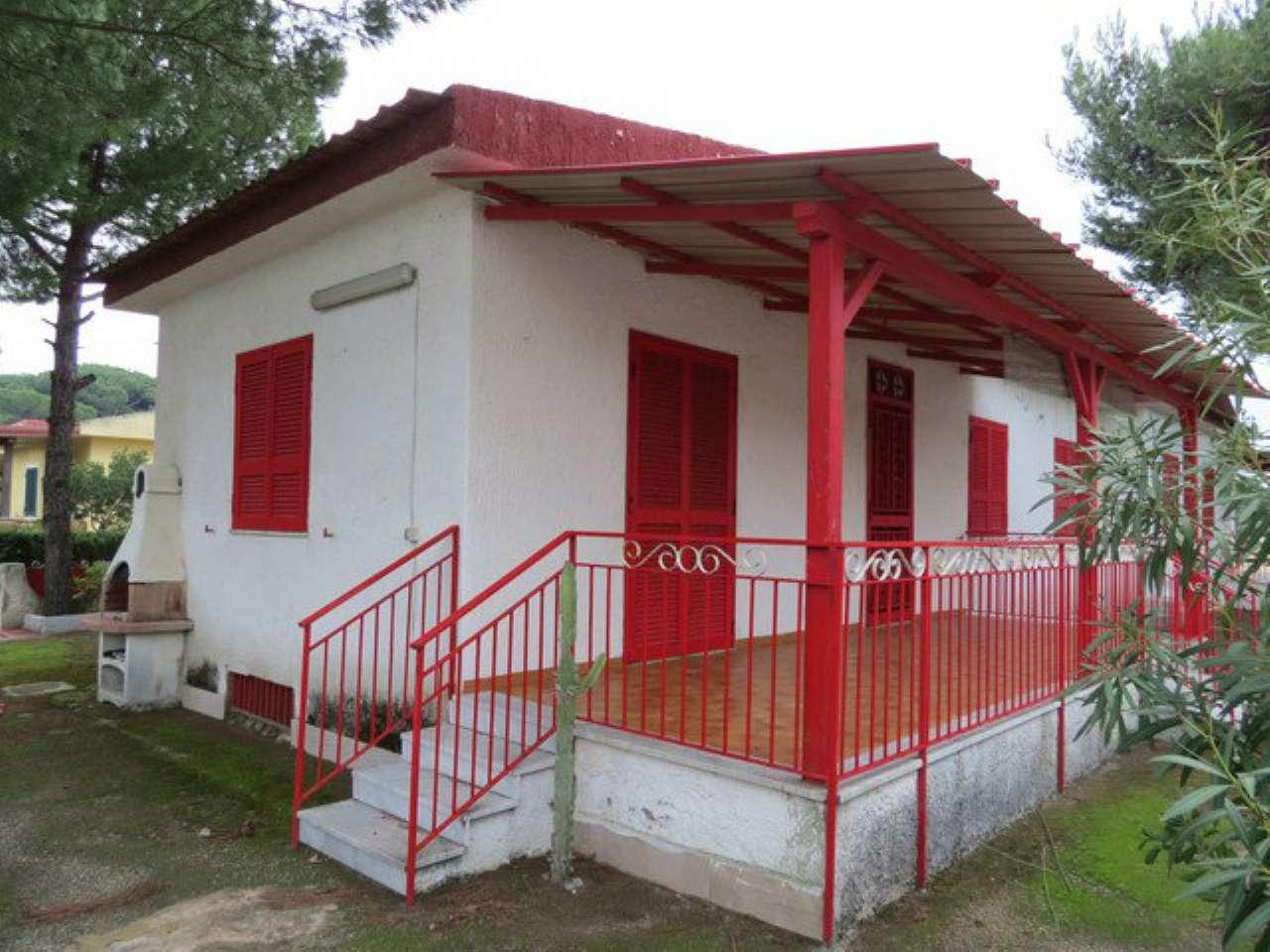 Villa Bifamiliare in Vendita a Mondragone