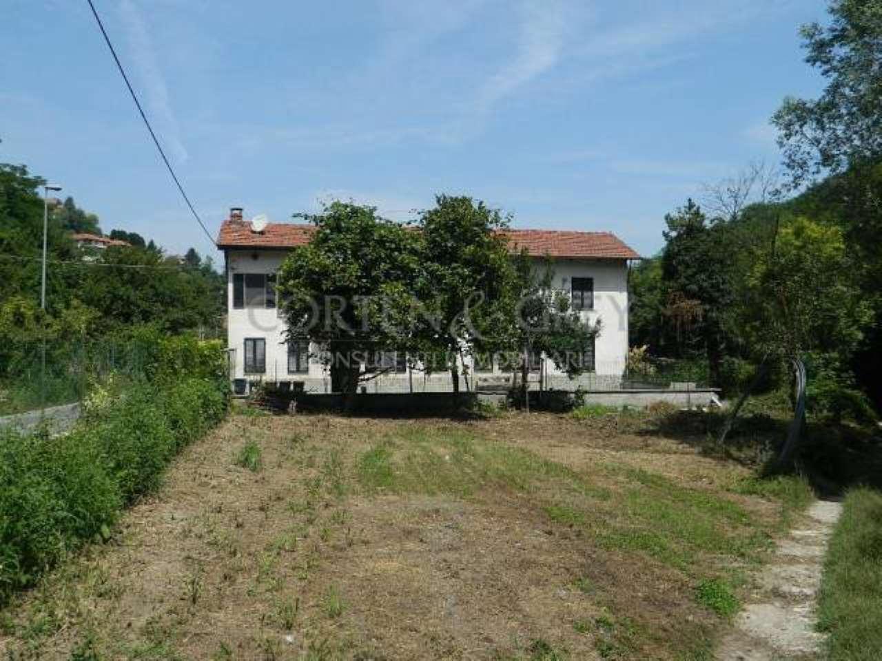 Rustico / Casale in vendita a Castiglione Torinese, 6 locali, prezzo € 270.000   CambioCasa.it