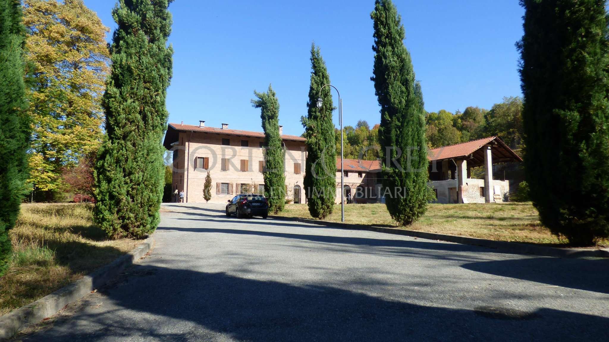 Palazzo / Stabile in Vendita a Gassino Torinese