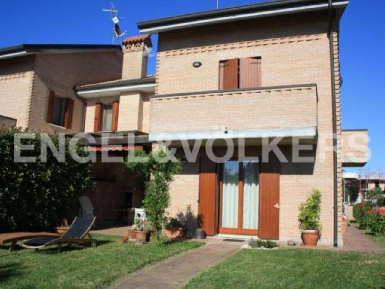 Villa in affitto a Ferrara, 6 locali, prezzo € 920 | CambioCasa.it