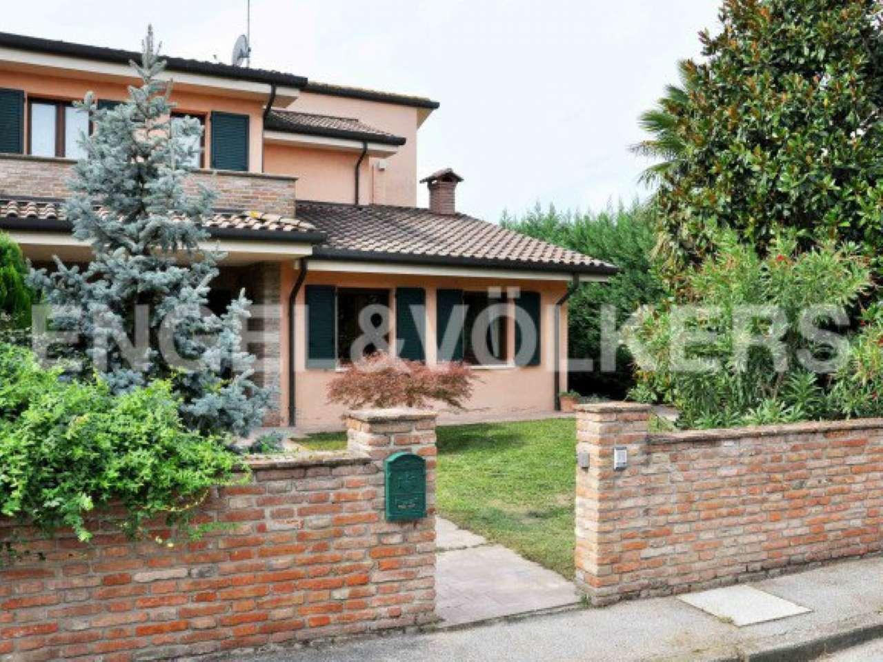 Soluzione Indipendente in vendita a Mirabello, 6 locali, prezzo € 240.000 | CambioCasa.it