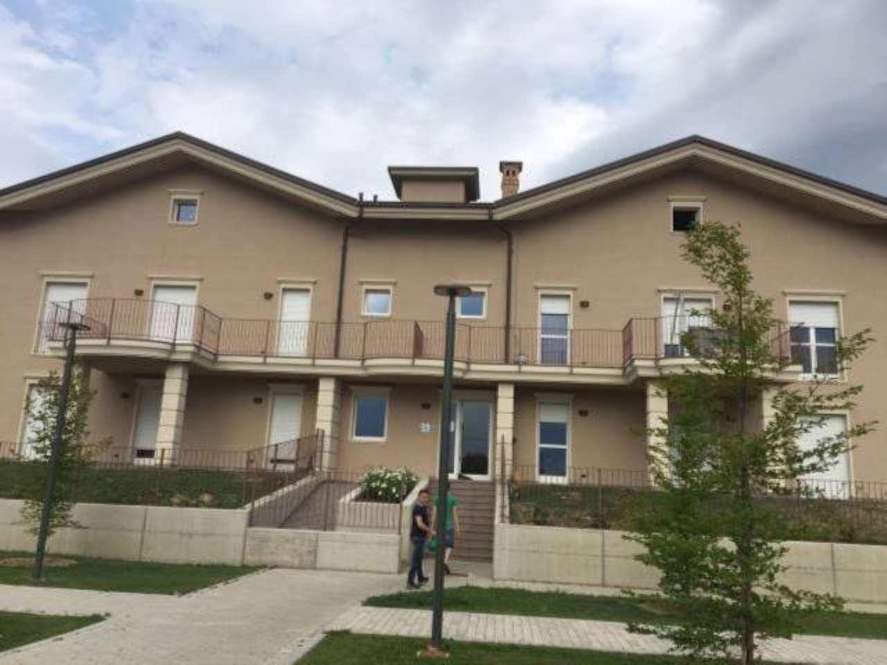 Appartamento in affitto a Santa Vittoria d'Alba, 3 locali, prezzo € 550 | CambioCasa.it