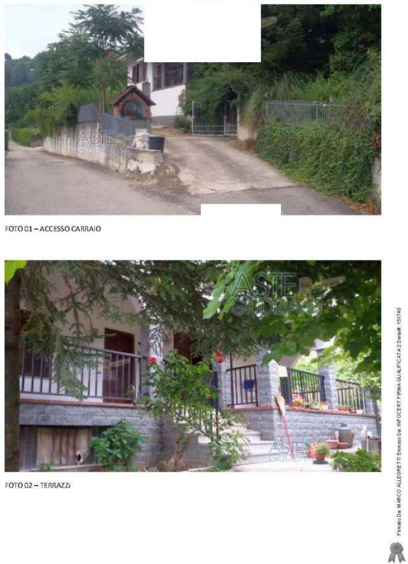 Villa in vendita a Sinio, 12 locali, prezzo € 248.000 | CambioCasa.it