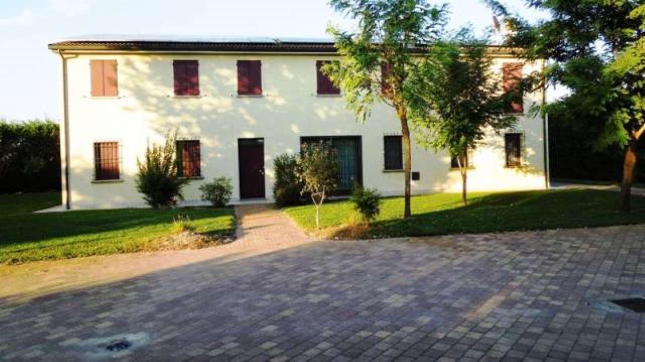 Villa in vendita a Lugo, 6 locali, prezzo € 780.000 | CambioCasa.it