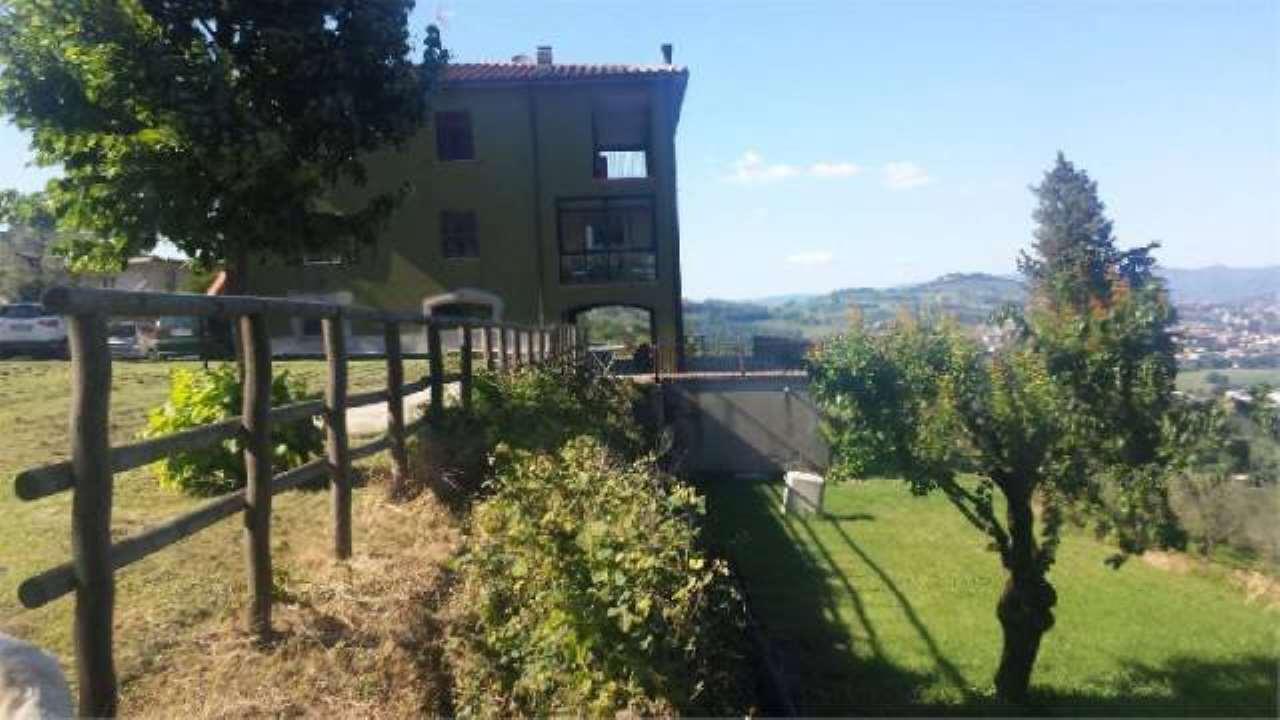Villa in vendita a Perugia, 6 locali, prezzo € 650.000 | CambioCasa.it