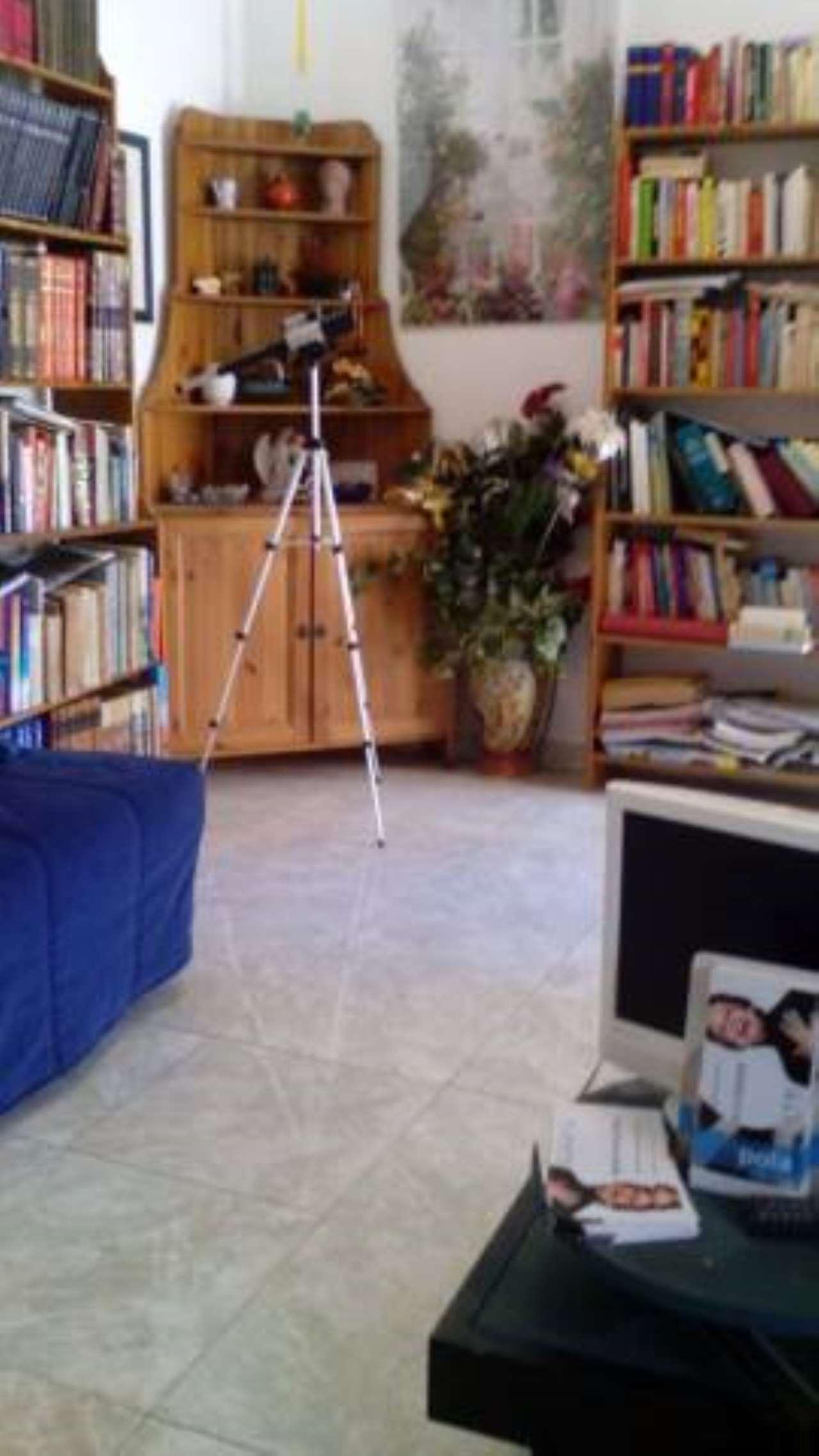 Appartamento in vendita a Palombara Sabina, 2 locali, prezzo € 100.000 | CambioCasa.it