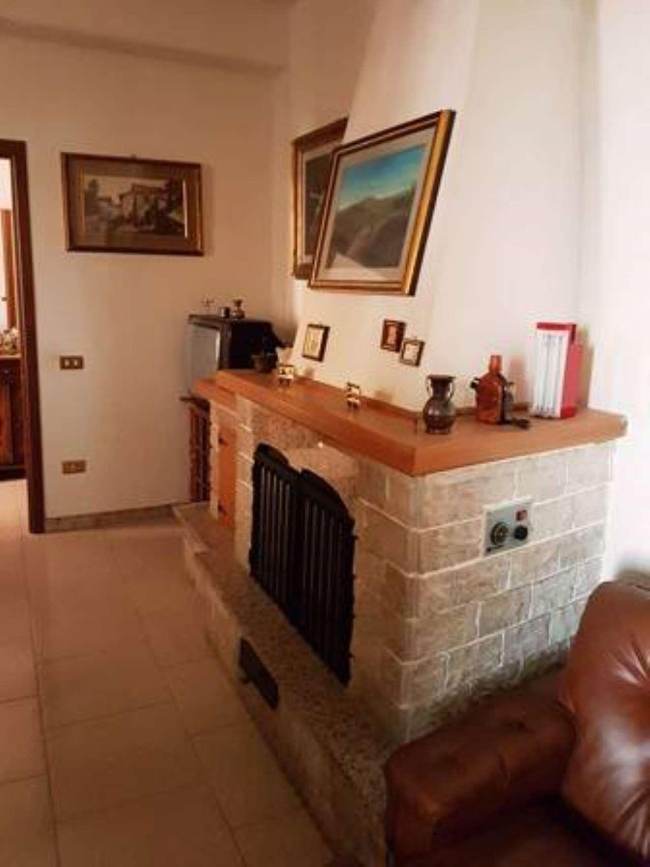 Villa 6 locali in vendita a Castell'Umberto (ME)