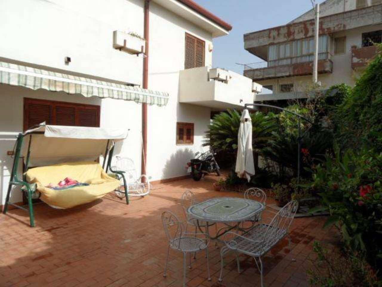 Villa in vendita a Messina, 6 locali, prezzo € 229.000 | CambioCasa.it