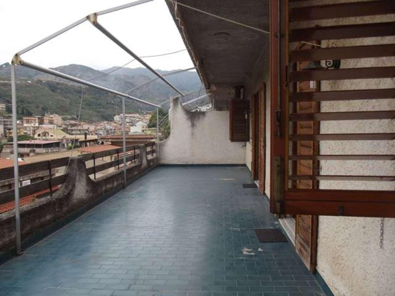 Appartamento in vendita a Messina, 5 locali, prezzo € 160.000 | CambioCasa.it