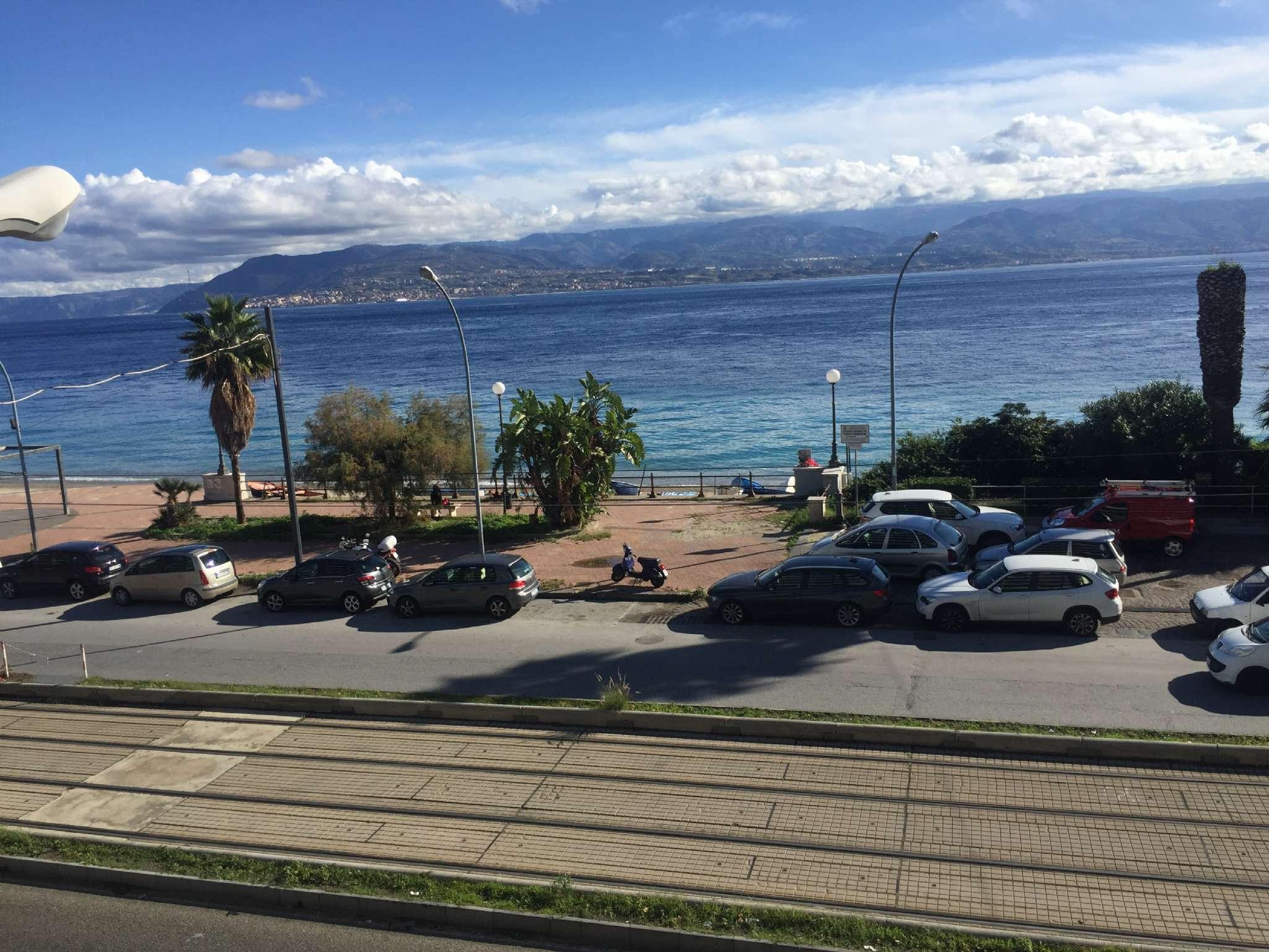 Appartamento in vendita a Messina, 7 locali, prezzo € 385.000 | CambioCasa.it