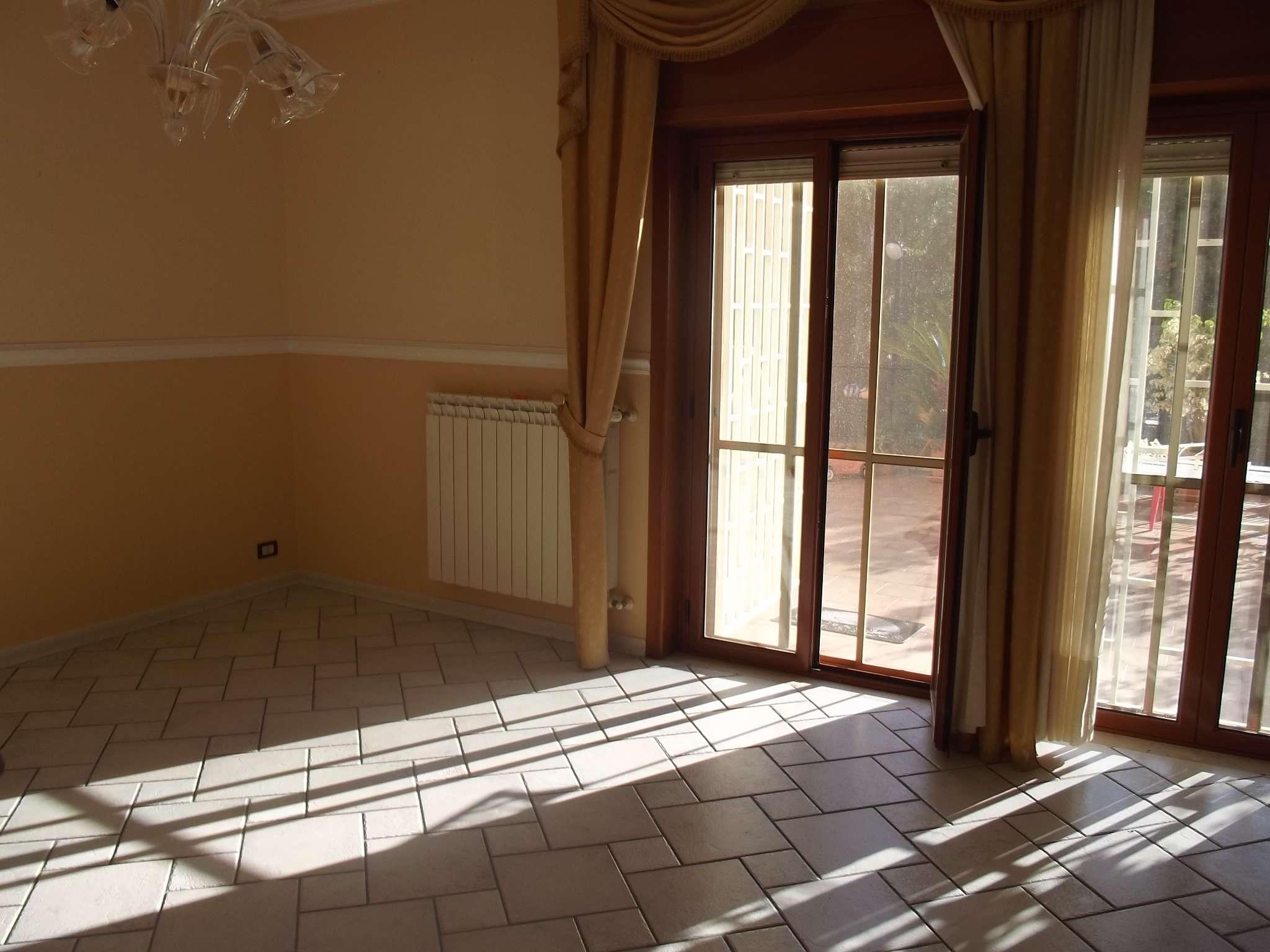 Appartamento in vendita a Messina, 4 locali, prezzo € 210.000 | CambioCasa.it