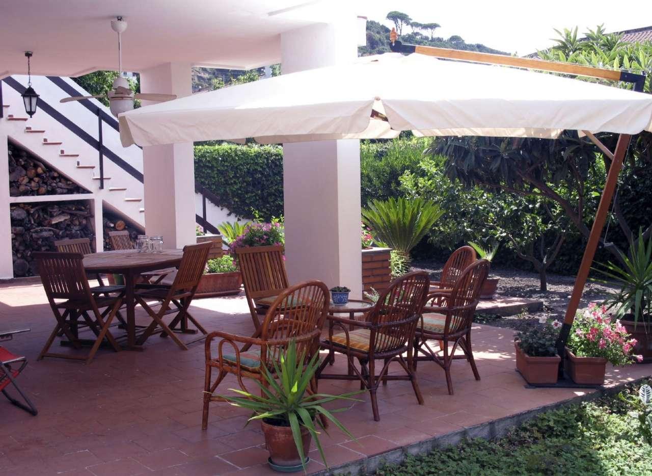 Villa Bifamiliare in Vendita a Messina
