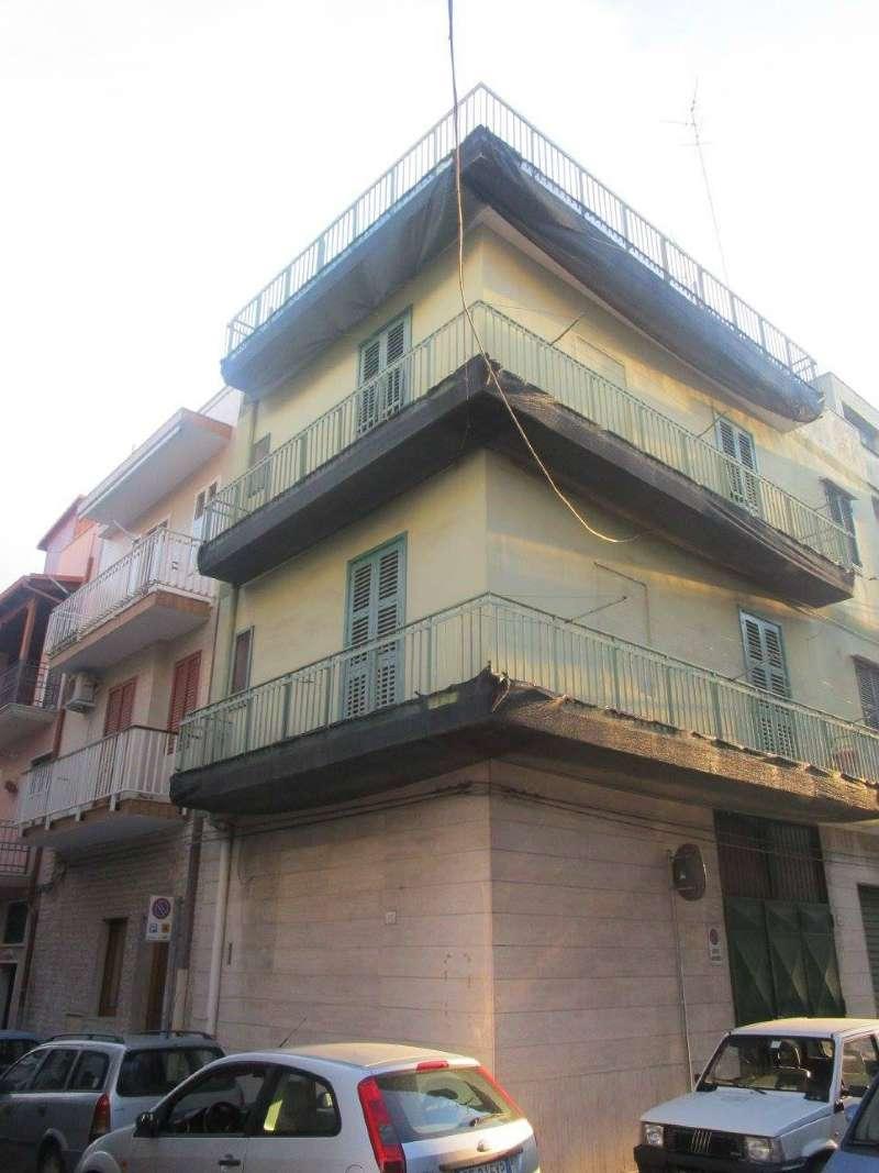 Palazzo / Stabile in Vendita a Massafra