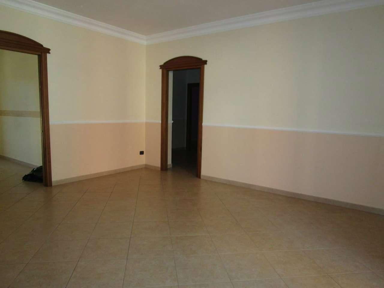 Appartamento in vendita a Massafra, 7 locali, prezzo € 185.000 | CambioCasa.it