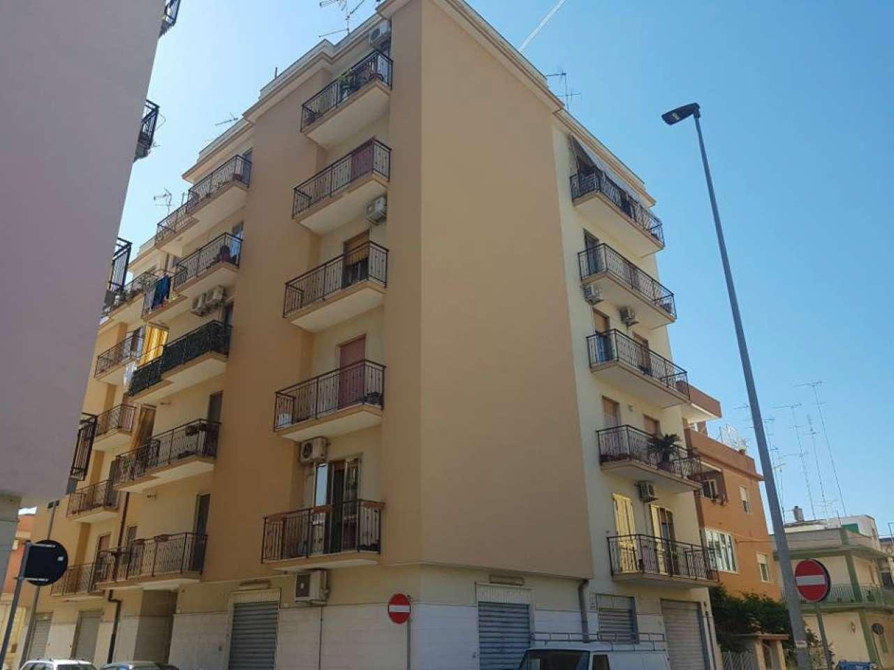 Appartamento in vendita a Massafra, 4 locali, prezzo € 70.000 | CambioCasa.it