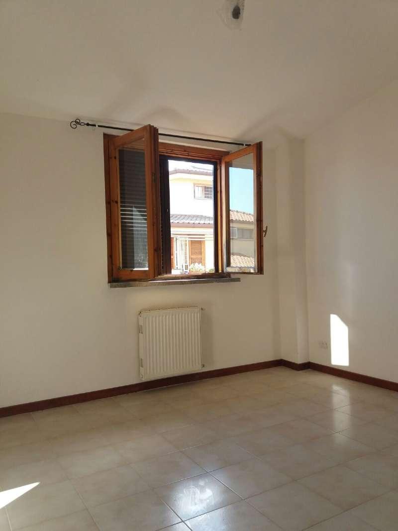 Appartamento in vendita a Anguillara Sabazia, 3 locali, prezzo € 100.000 | CambioCasa.it
