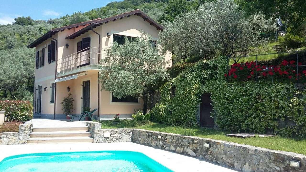 Villa in vendita a Avegno, 7 locali, prezzo € 720.000 | CambioCasa.it