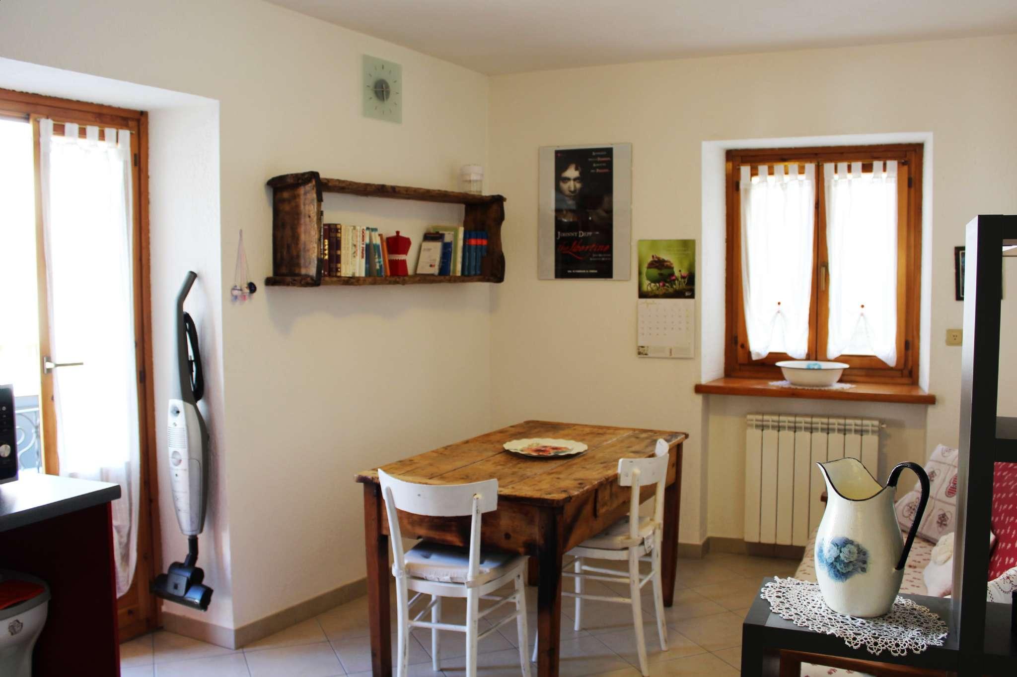 Appartamento in affitto a Villeneuve, 2 locali, prezzo € 350   CambioCasa.it
