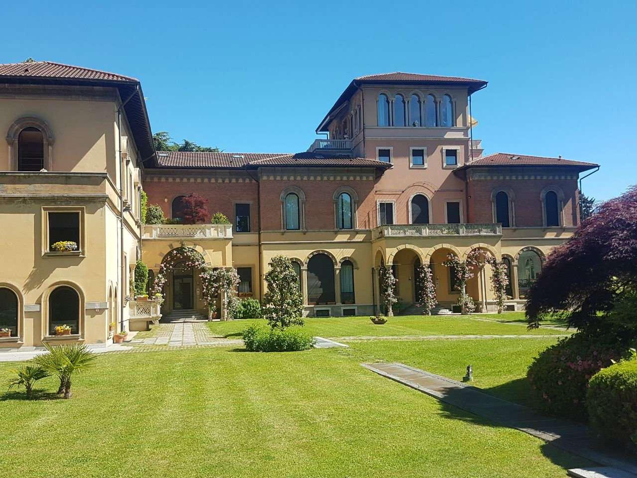 Appartamento in affitto a Gallarate, 6 locali, prezzo € 1.950 | CambioCasa.it