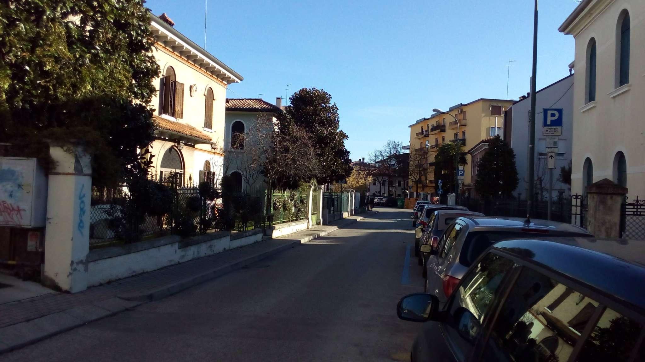 Box / Garage in affitto a Venezia, 1 locali, zona Zona: 11 . Mestre, prezzo € 80 | CambioCasa.it