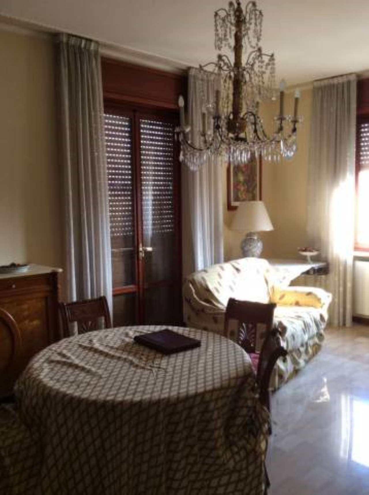 Appartamento in vendita a Cadeo, 4 locali, prezzo € 83.000   CambioCasa.it