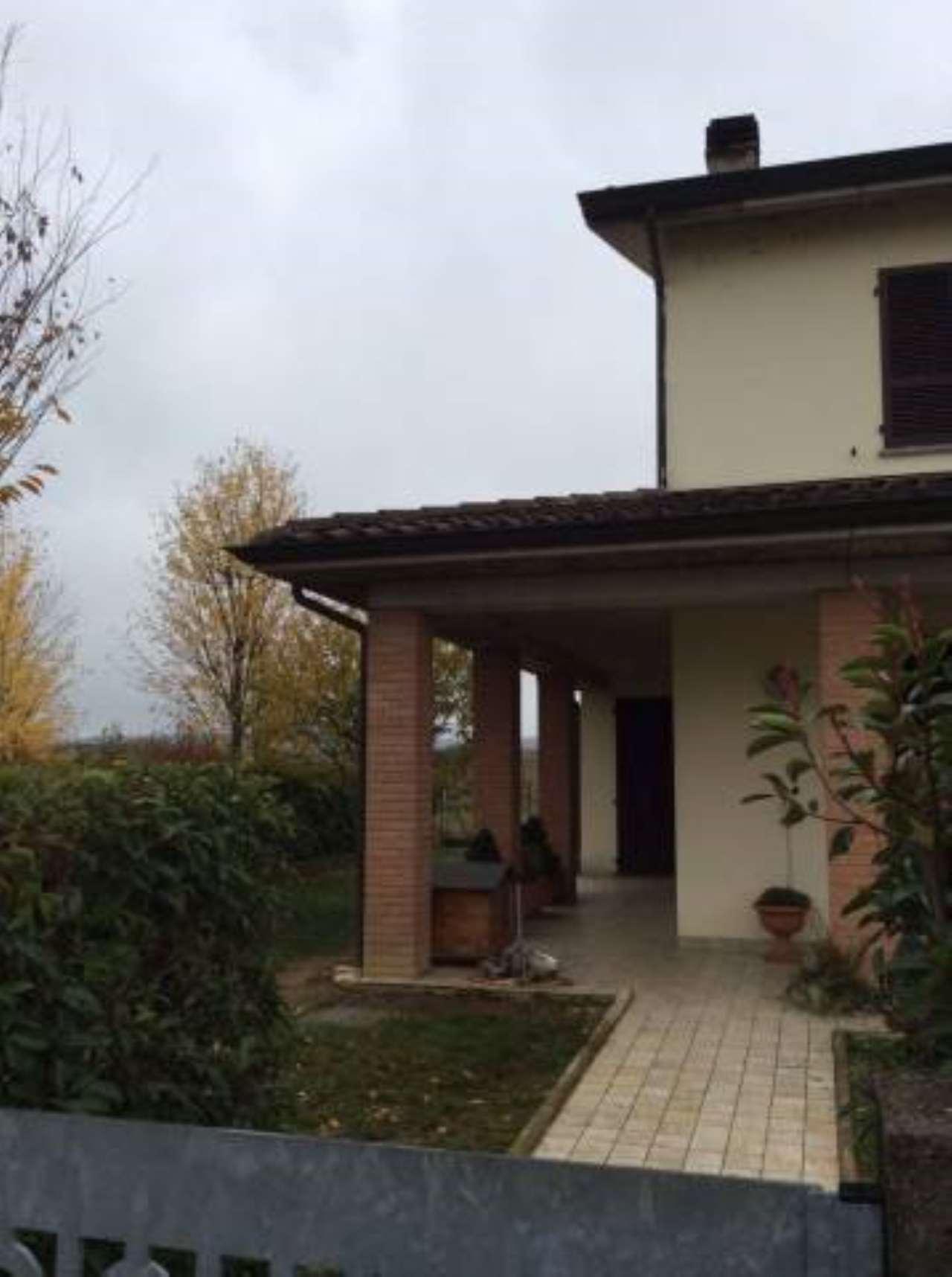 Villa in vendita a Alseno, 5 locali, prezzo € 245.000   CambioCasa.it