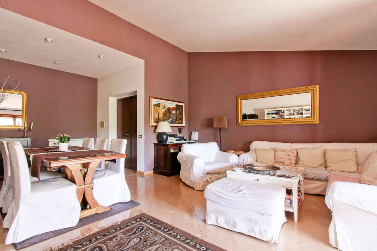 Appartamento in vendita 4 vani 100 mq.  via gherardo gherardi Roma