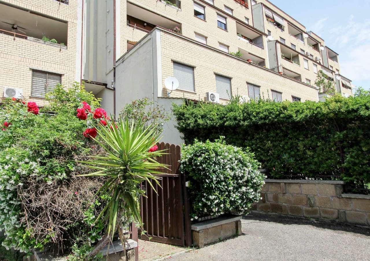 Appartamento in vendita 4 vani 125 mq.  via busto arsizio Roma
