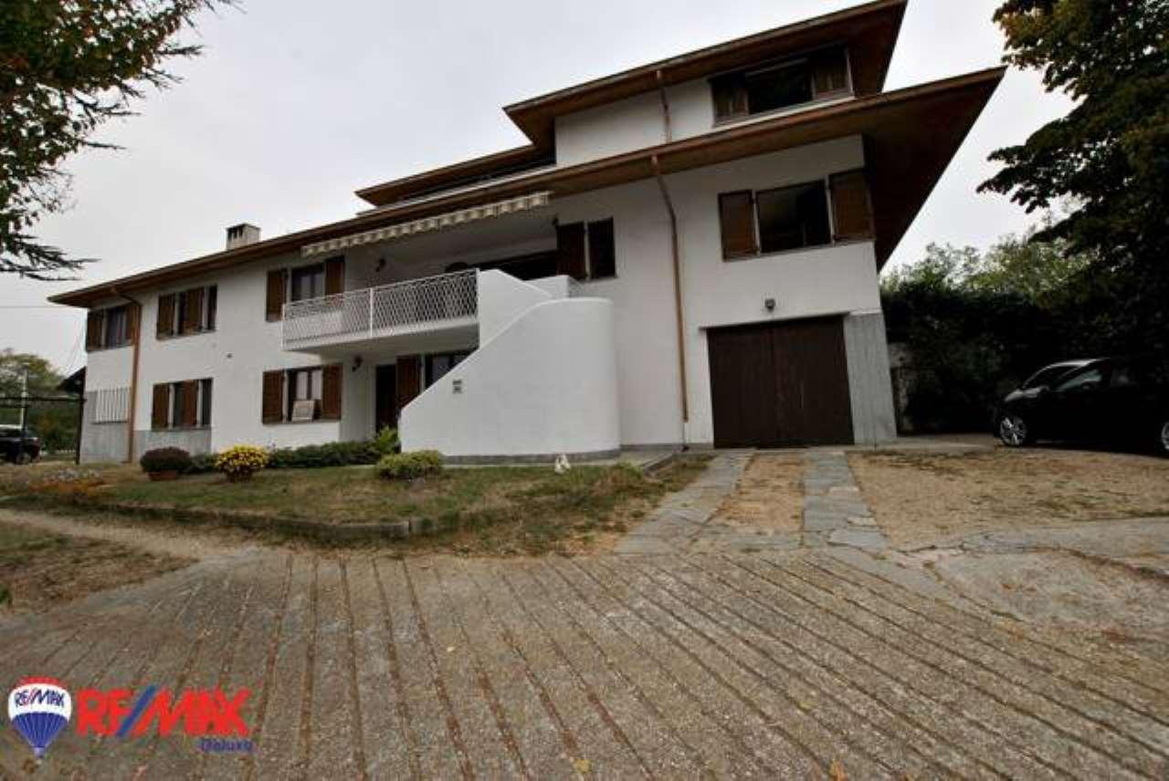 Villa 6 locali in vendita a Baldissero d'Alba (CN)