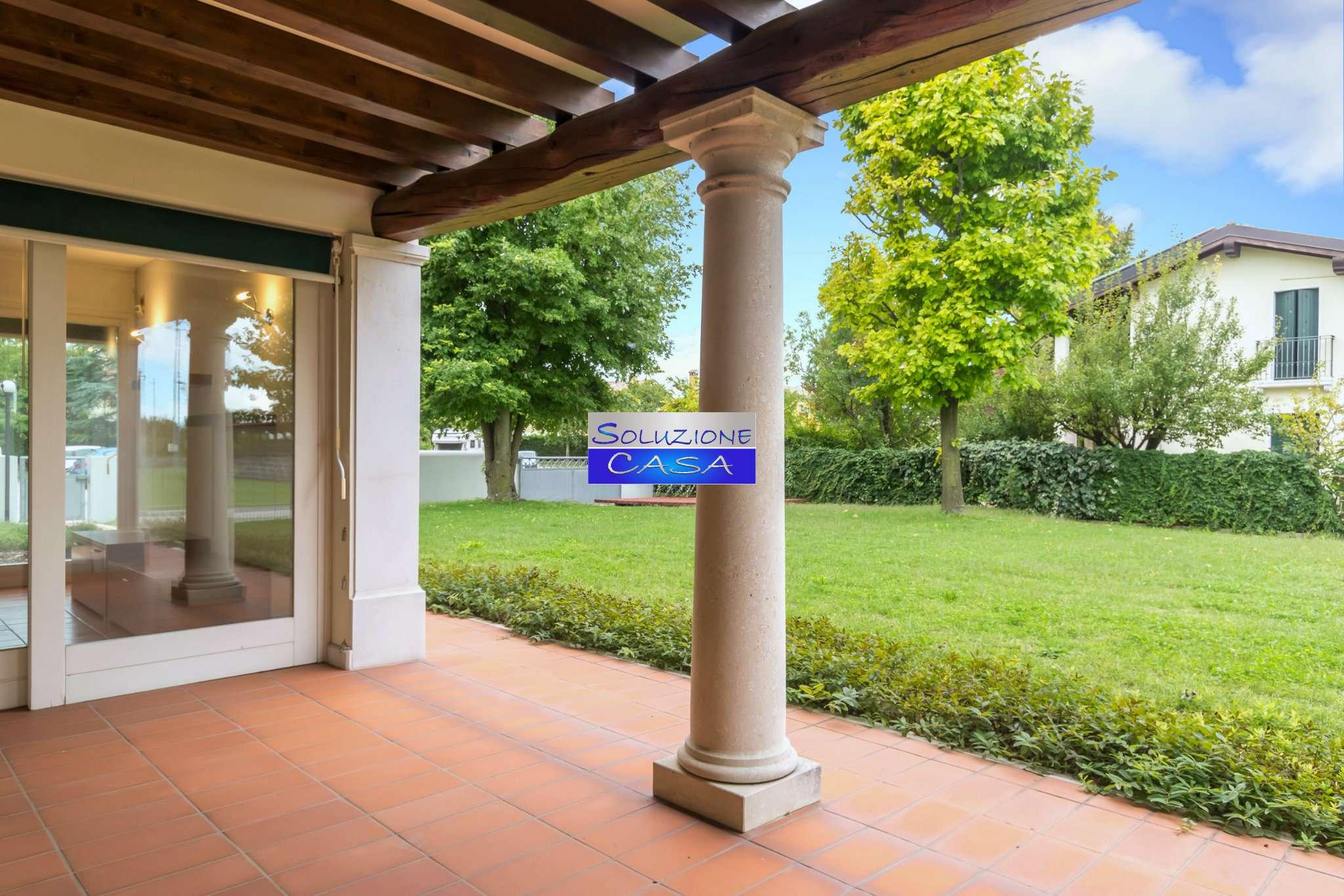 Villa bifamiliare quadrilocale in vendita a Meduna di Livenza (TV)
