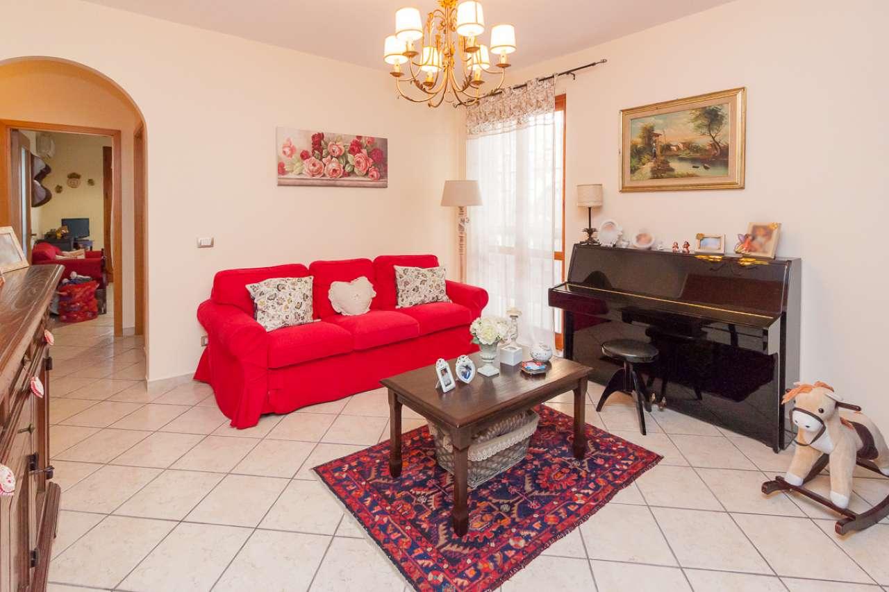 Appartamento trilocale in vendita a Aci Catena (CT)