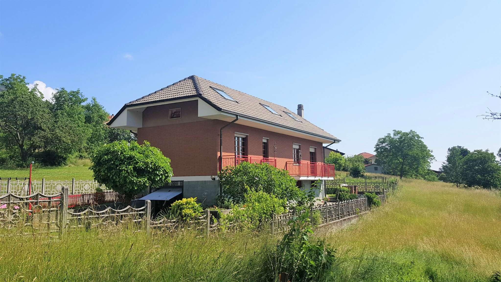 Foto 1 di Casa indipendente Vallo Torinese