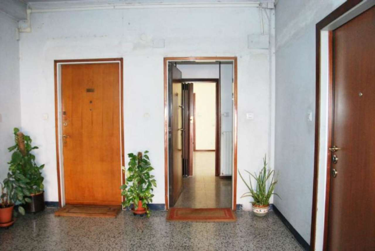 Bilocale Milano Via Abetone 12