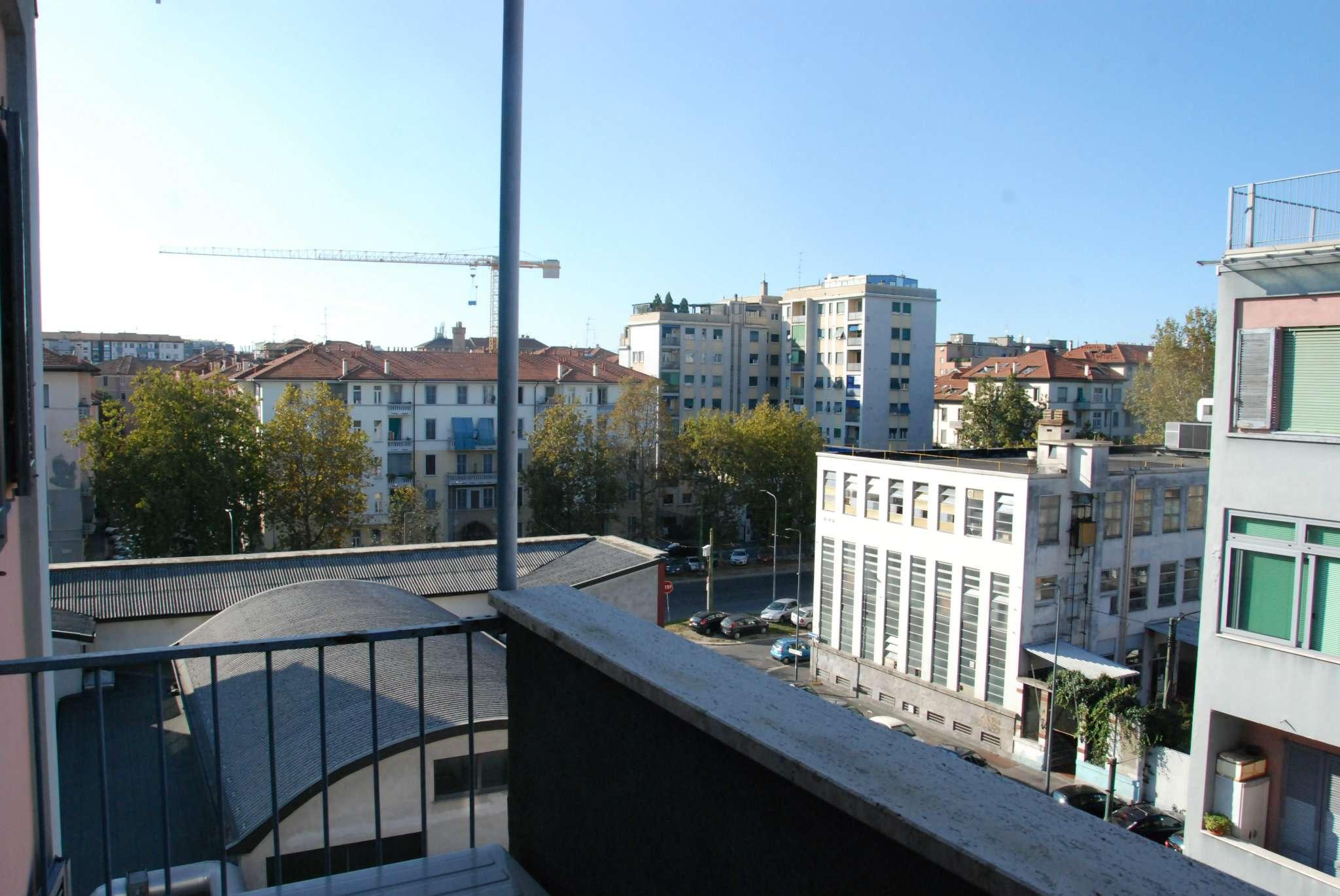 Bilocale Milano Via Abetone 8