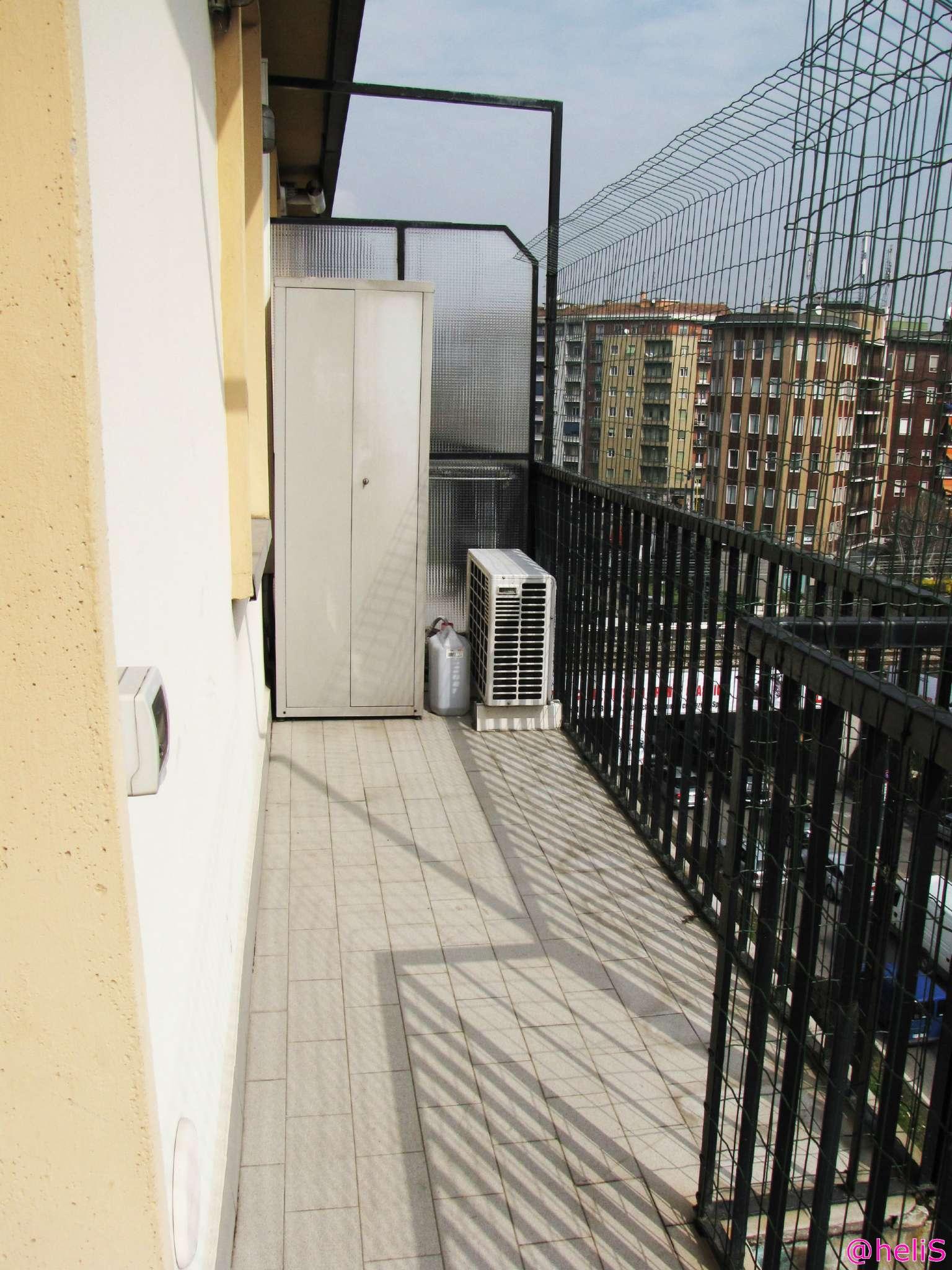 Bilocale Milano Via La Spezia 7