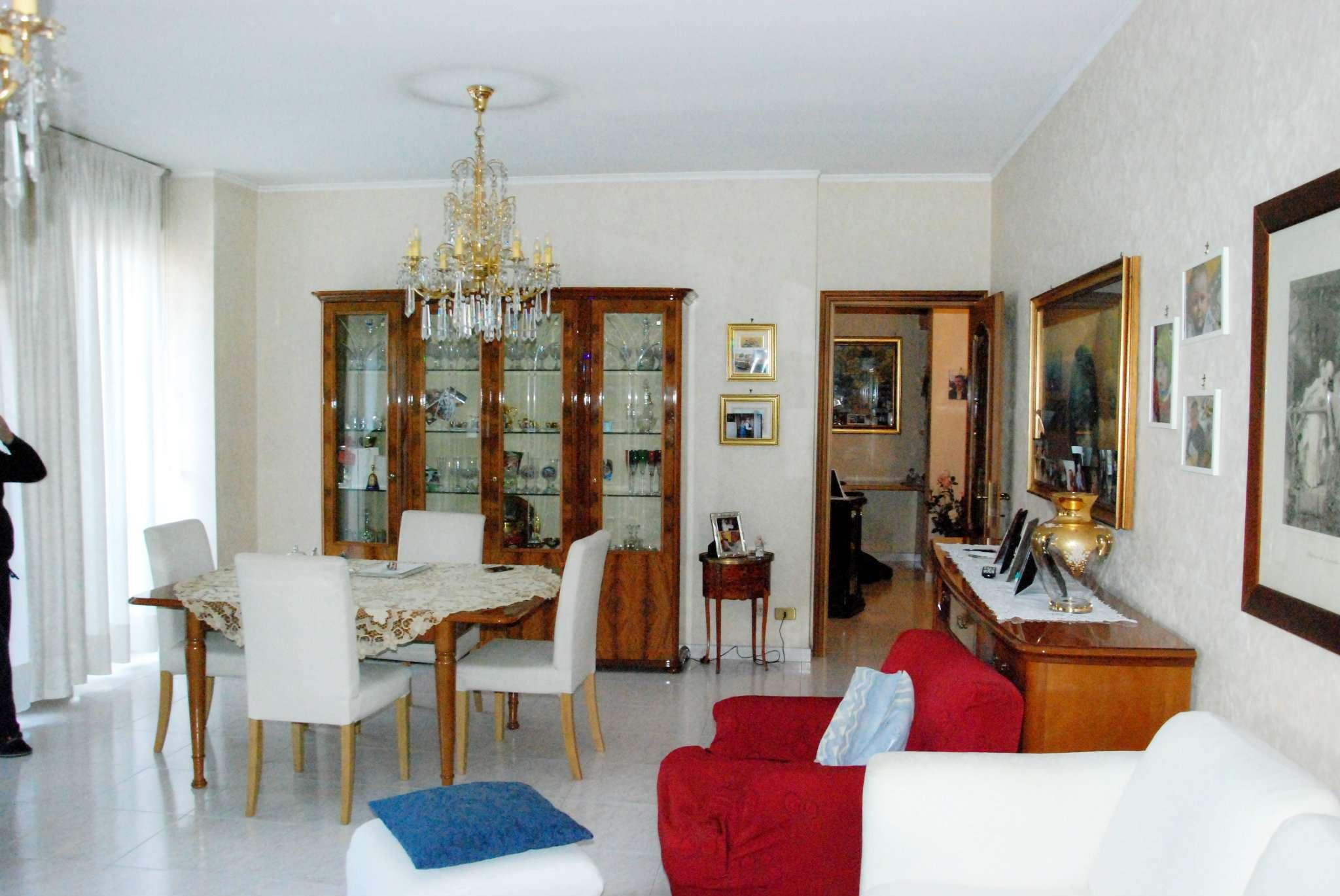 Appartamento in vendita a Cinisello Balsamo, 4 locali, prezzo € 195.000 | CambioCasa.it