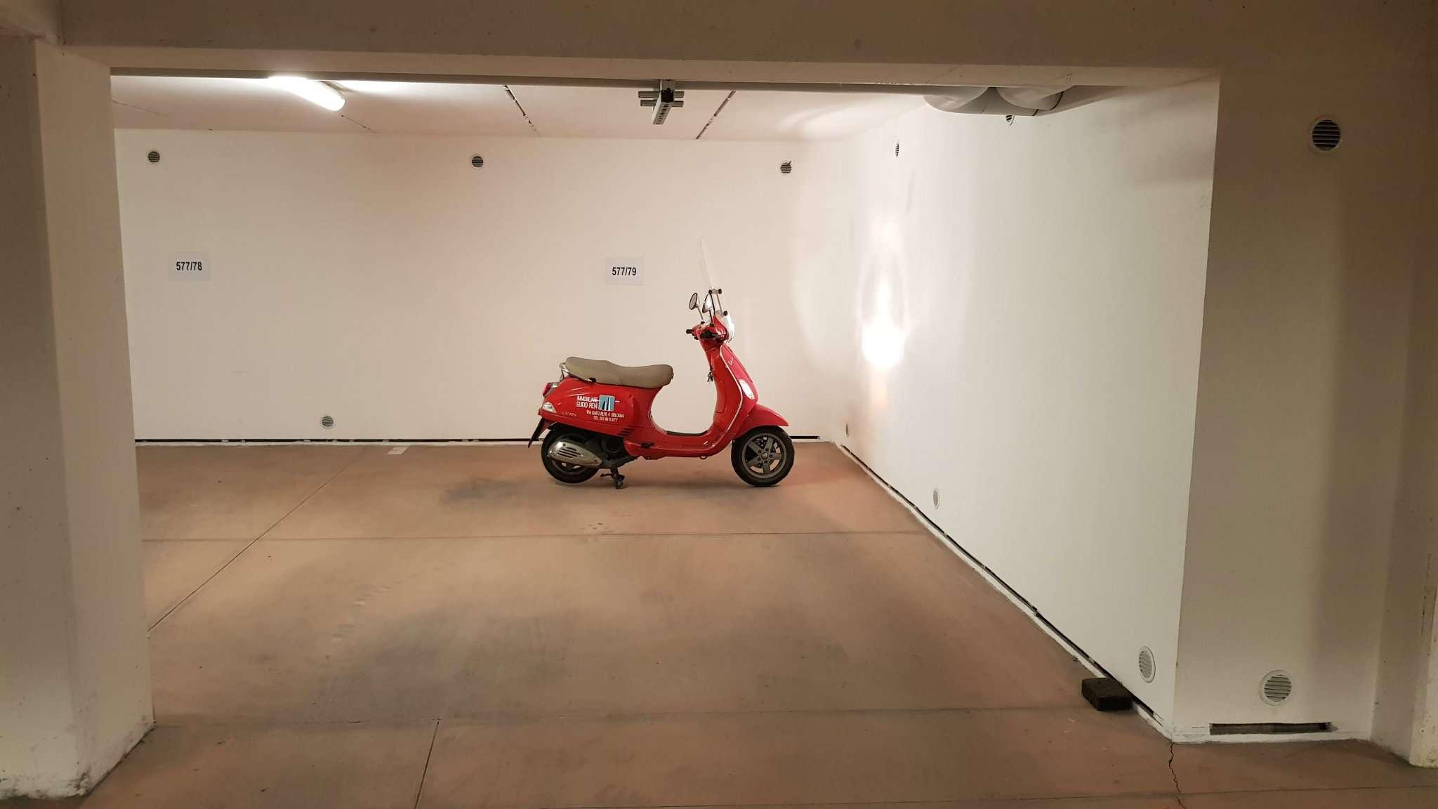 Foto 1 di Box / Garage via Orfeo 42, Bologna (zona Centro Storico)