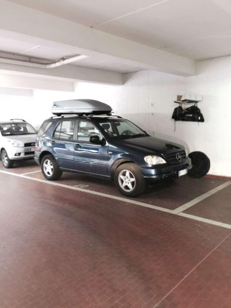 Foto 1 di Box / Garage via Castiglione, Bologna (zona Galvani)