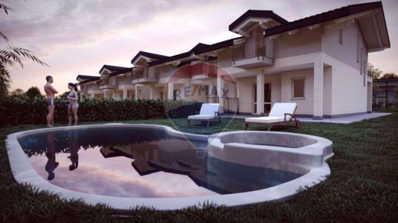 Foto 1 di Villa via Pavese, 14, Druento