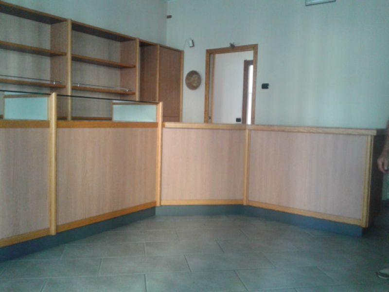 Negozio / Locale in vendita a Gavirate, 2 locali, prezzo € 89.000 | Cambio Casa.it