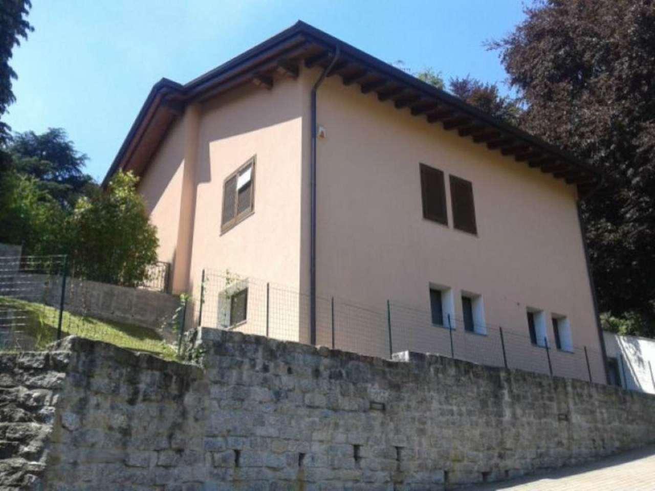 Villa in vendita a Varese, 10 locali, prezzo € 690.000 | Cambio Casa.it