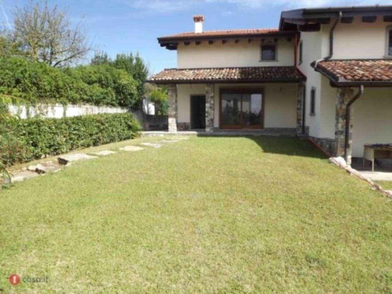 Villa in vendita a Casciago, 6 locali, prezzo € 490.000 | Cambio Casa.it